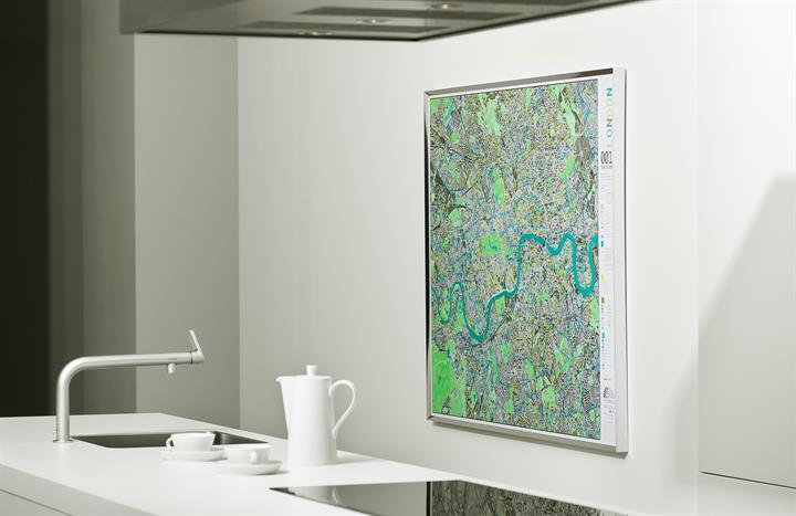 london_city_wall_map_V1_lifestyle2