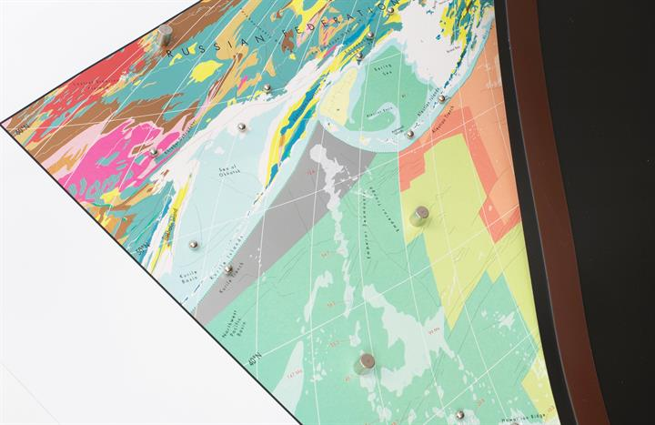 small_world_geology_wall_map_magnetic1