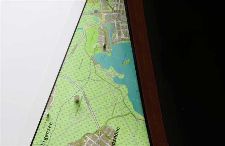 berlin_city_wall_map_V1_magnetic2